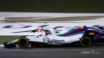 Lance Stroll, Williams FW40, collides with Carlos Sainz Jr., Scuderia Toro Rosso STR12