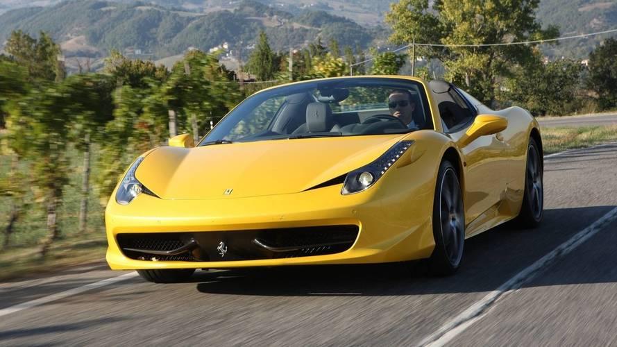 Le valet donne les clés d'une Ferrari à la mauvaise personne