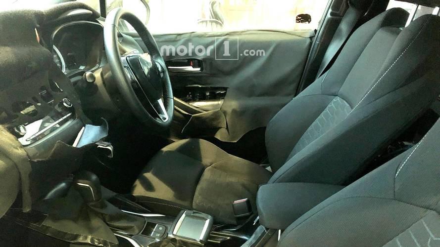 Toyota Auris Corolla iM casus fotolar