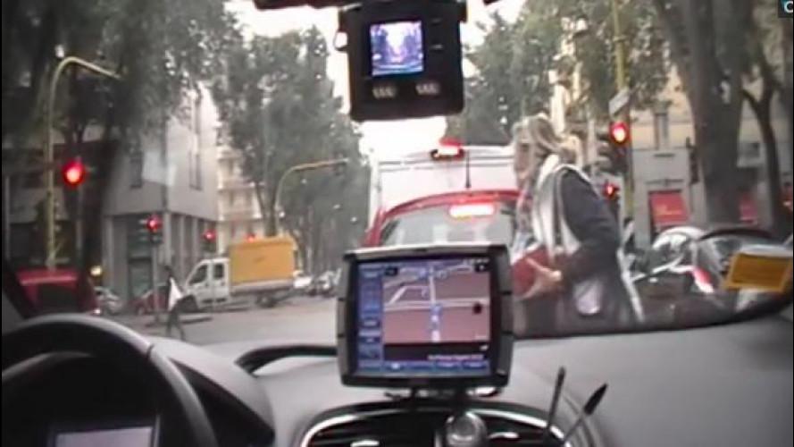 Taxi, sale a bordo la telecamera