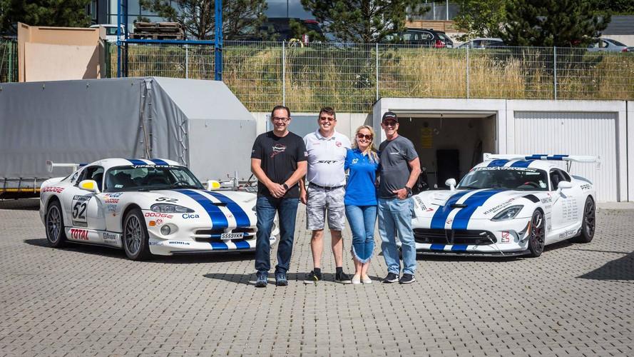 Hayran destekli Dodge Viper çifti Nürburgring rekorunu istiyor