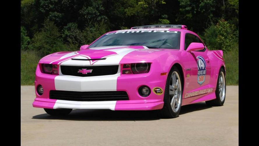 Chevrolet usará Camaro Rosa em causa nobre
