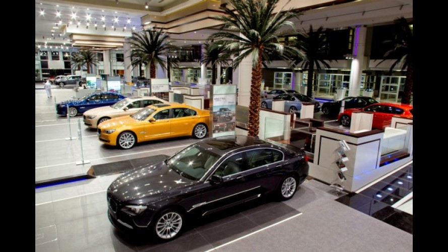 BMW inaugura sua maior concessionária no mundo