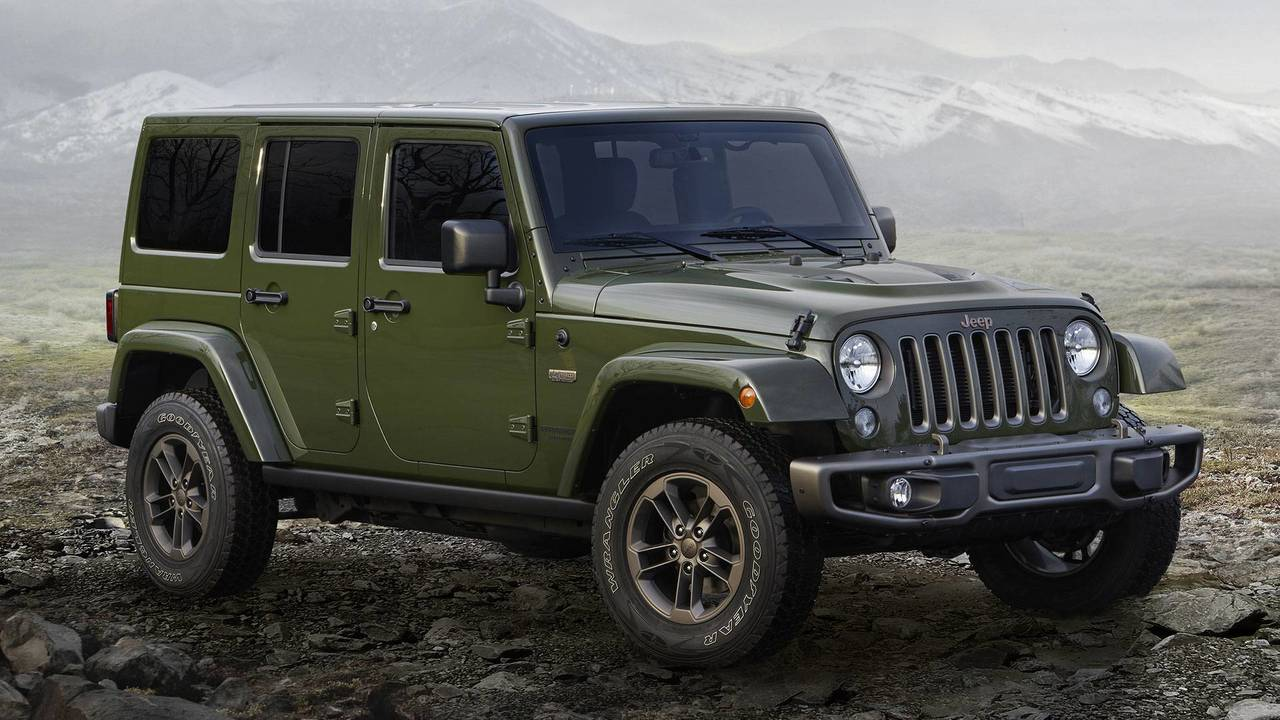 2018 jeep wrangler see the changes side by side. Black Bedroom Furniture Sets. Home Design Ideas