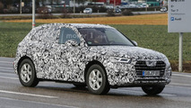 2017 Audi Q5 spied showing its new grille & headlights