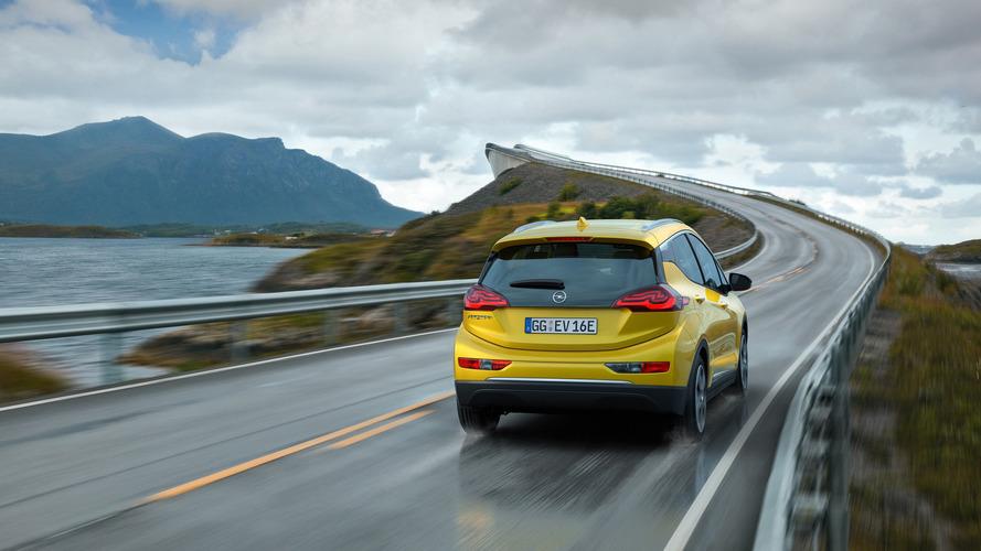 Opel Ampera-e, tek şarj ile 750 km yol yaptı!