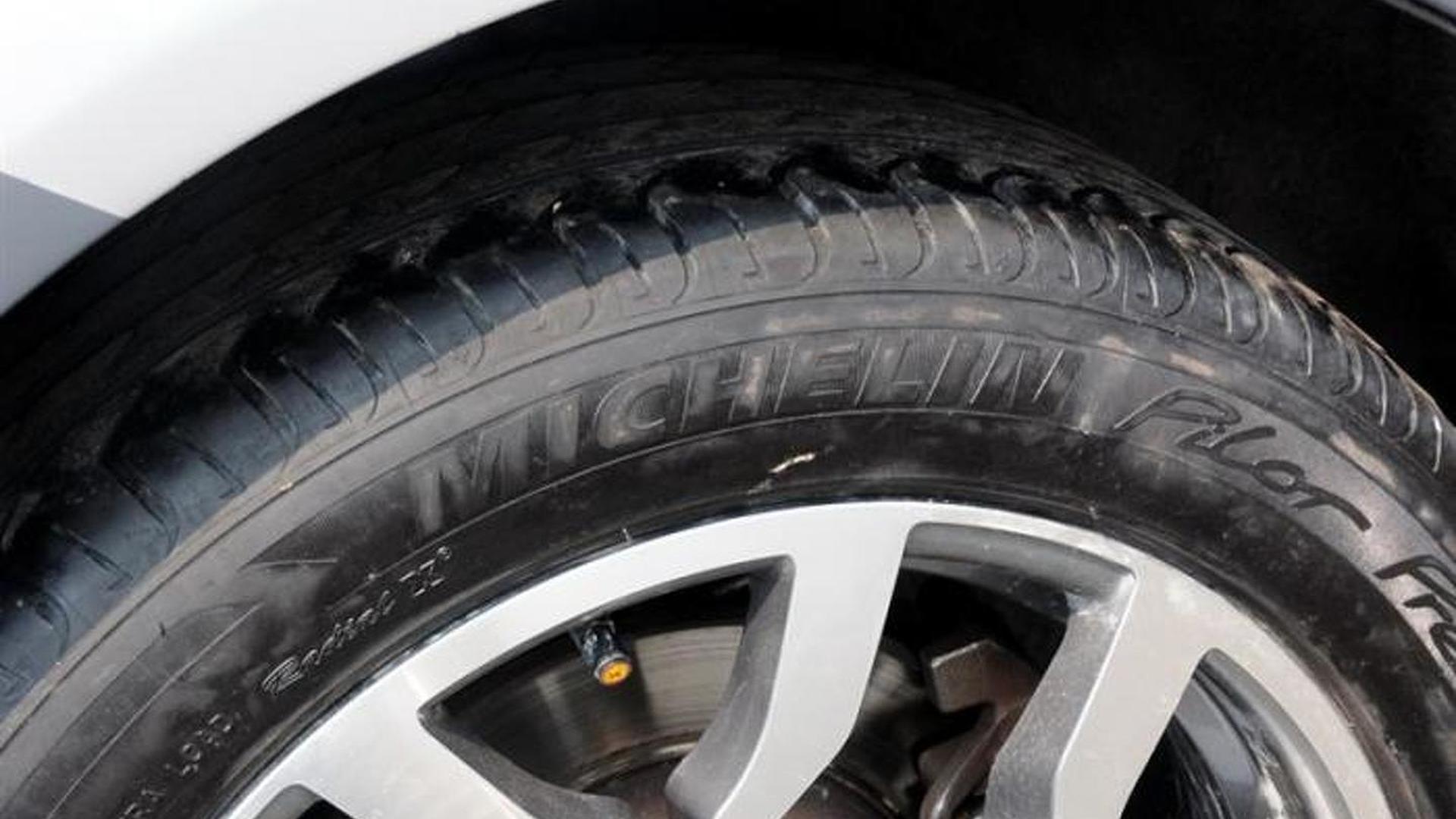 Пикап с покрышками Michelin