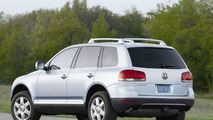 2004 VW Touareg V10 TDI and Passat TDI Introduced to US Market
