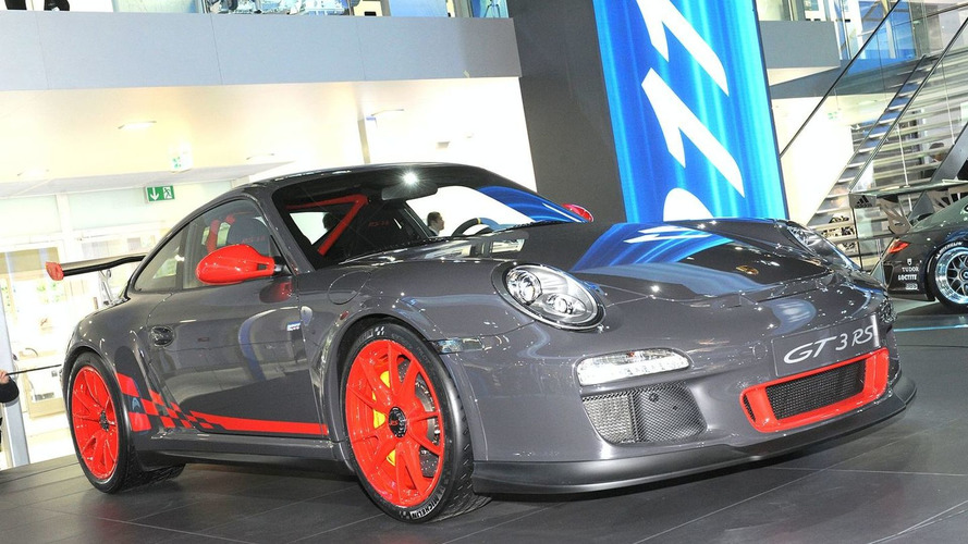 Porsche 911 GT3 RS Powers into Frankfurt
