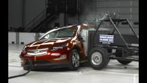 Nota máxima para Nissan Leaf e Chevrolet Volt em testes de colisão nos EUA