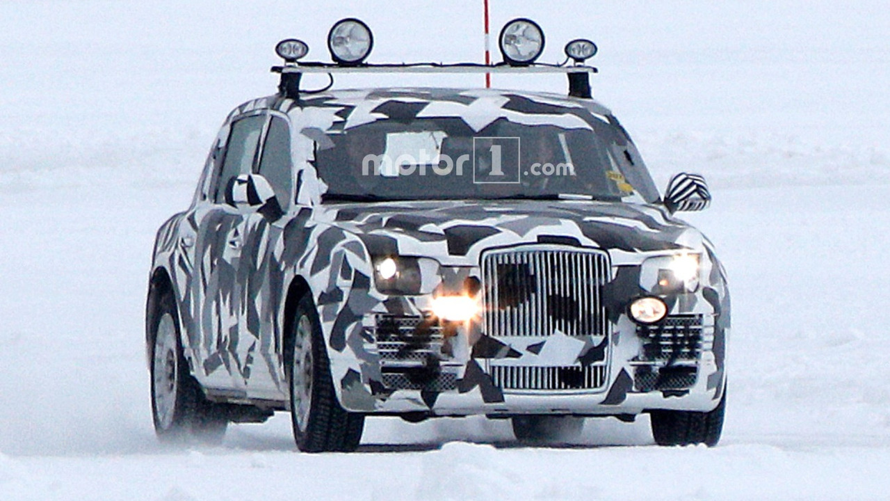 Mysterious limousine prototype spy photo