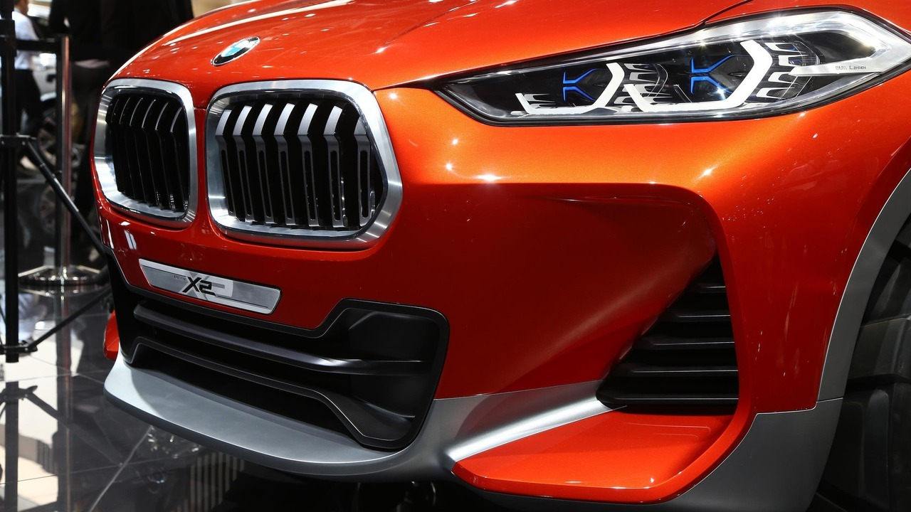 Bmw wants mercedes 39 sales crown with 40 new cars within two years - Paris motor show ...