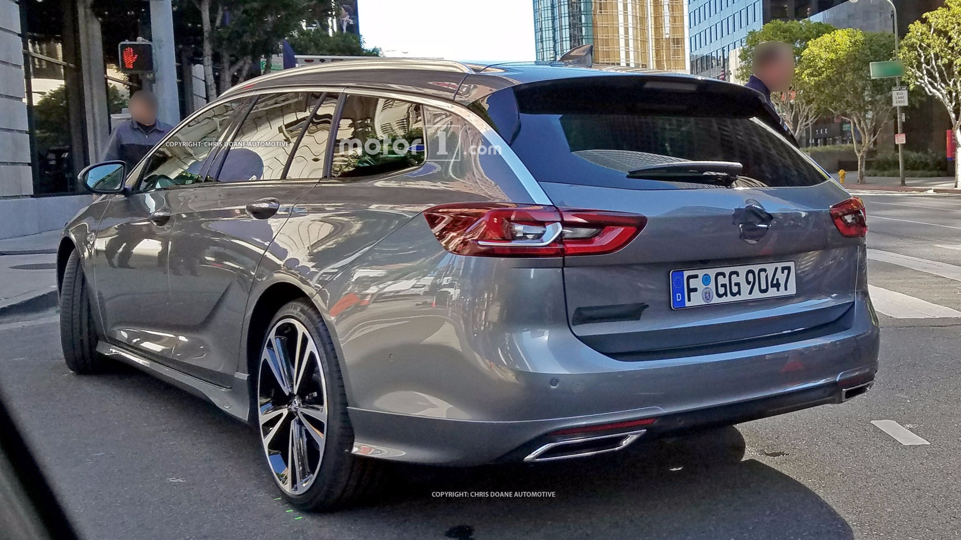2017-opel-insignia-sports-tourer-spy-pho