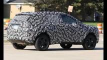 Próximo Jeep nacional, novo Compass é visto em testes novamente