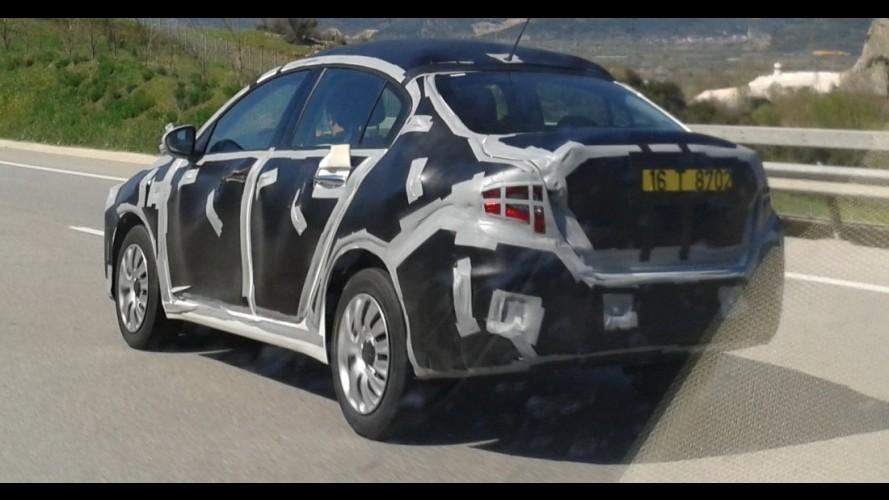 Flagra: novo Fiat Linea 2016 revela mais de suas linhas