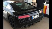 Flagra! Novo Audi R8 é clicado em posto de gasolina