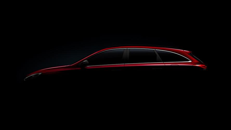 Hyundai i30 CW 2017, primer teaser oficial