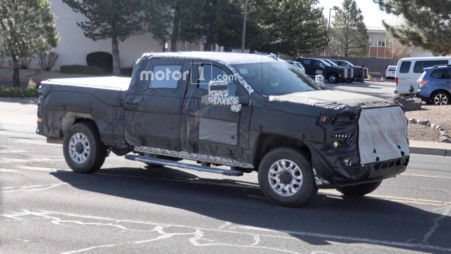 2020 Chevy Silverado HD, GMC Sierra HD Spied Testing Together