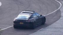 Next generation Porsche Panamera spy photo
