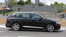 2016 Audi SQ7 spy photo