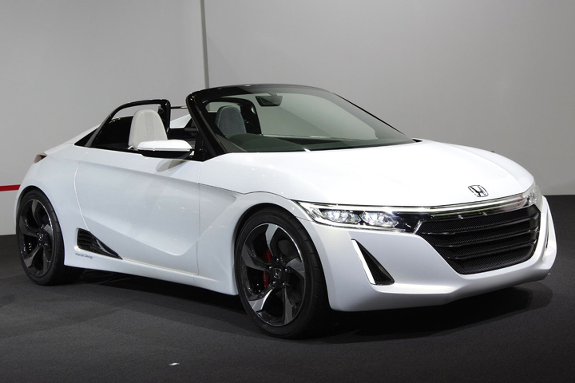 Honda is Bringing Back the S2000