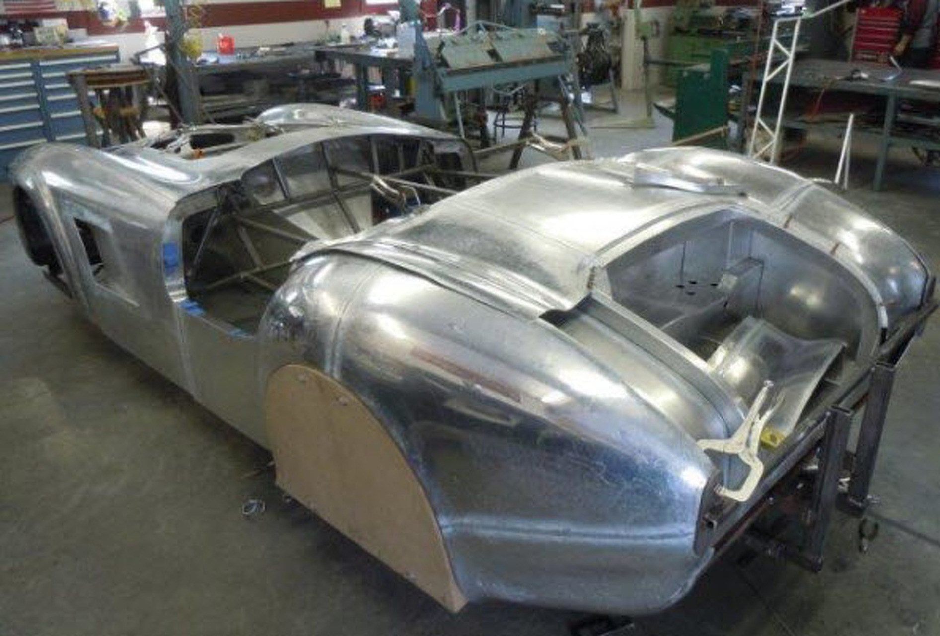 Hand-Crafted Bodies Make the 427 Roadster Way More Appealing