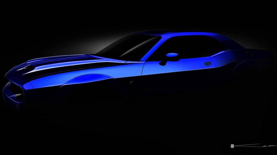 2019 Dodge Challenger SRT Hellcat Teased With Retro Hood