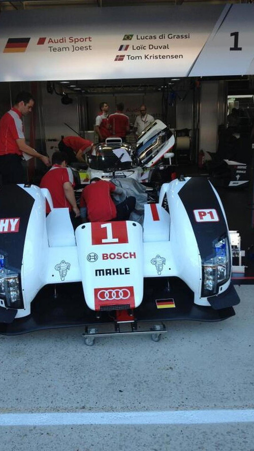 Crashed Audi R18 rebuilt overnight, Gene to replace Duval