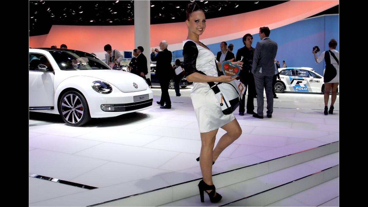 Zwei flotte Käfer am VW-Stand