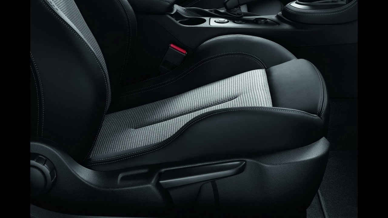 Peugeot RCZ ganha edição especial Onyx exclusiva para França e Alemanha