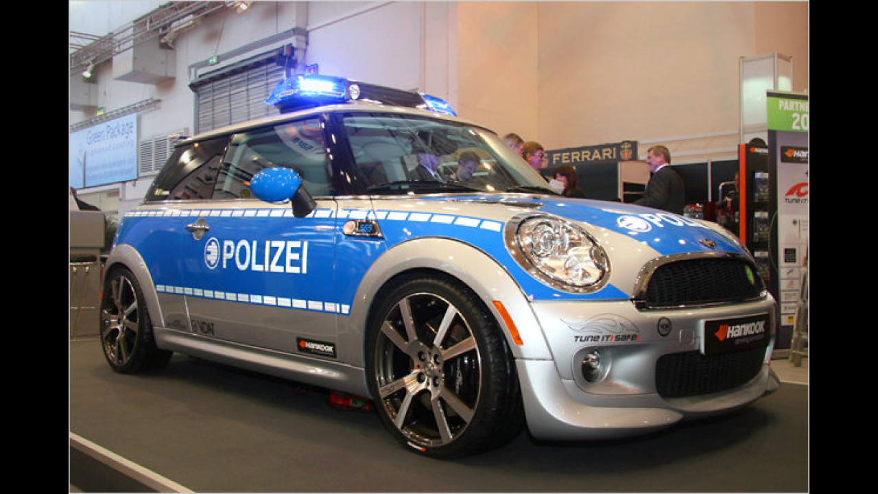 Mini E im Polizeilook – ,Tune it! Safe!