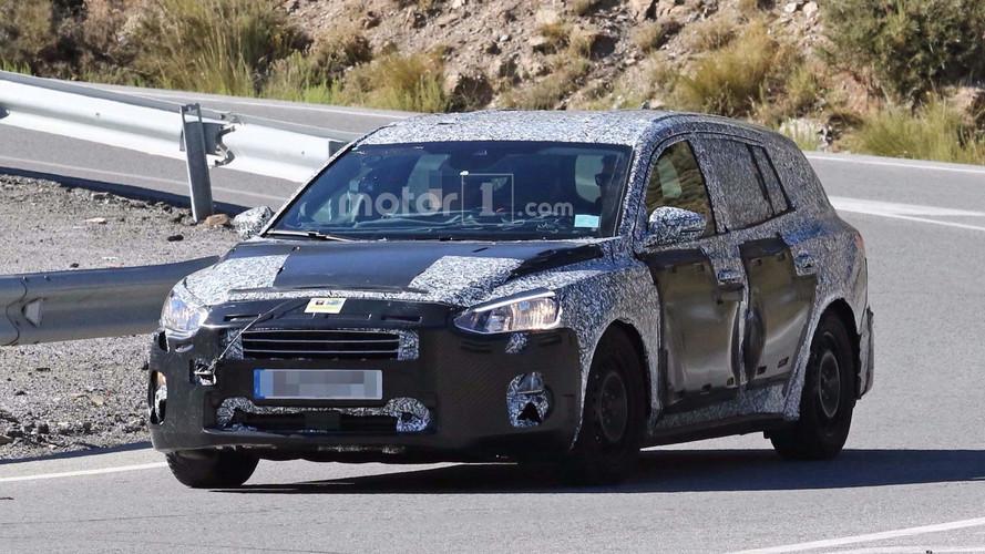 Yeni Ford Focus SW biraz daha detay gösterdi