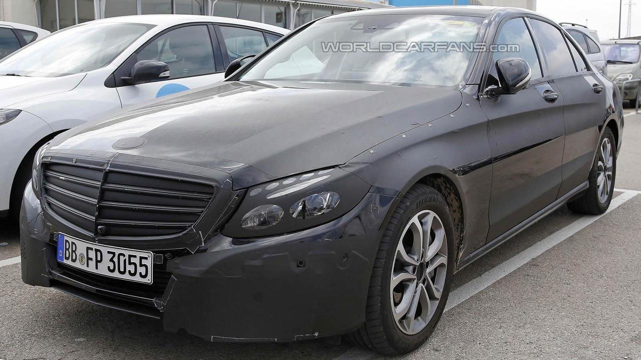 Mercedes-Benz C-Class Plug-In Hybrid spy photo