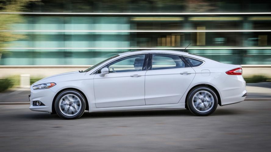 Kétezer fonttal ösztönzi újautó-vásárlásra brit ügyfeleit a Ford