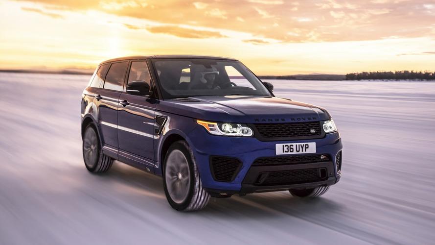 VIDÉO- Le Range Rover Sport  SVR accélère fort sur tous les terrains !