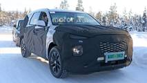 Hyundai Three-Row SUV Spy Photo