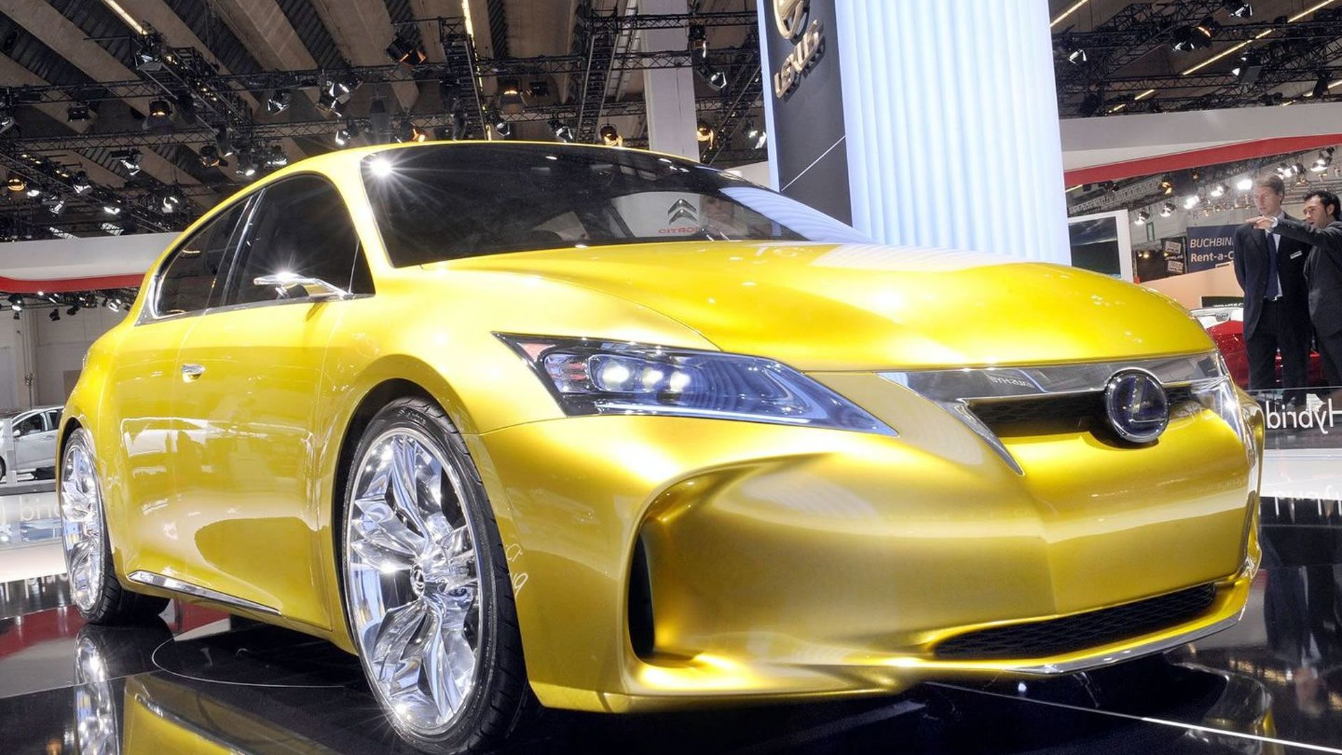 https://icdn-8.motor1.com/images/mgl/nyMRG/s1/2009-182409-lexus-lf-ch-full-hybrid-concept-world-debut-at-2009-frankfurt-motor-show1.jpg