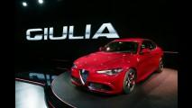 Alfa Romeo Giulia: veja detalhes em vídeo e a primeira foto interna