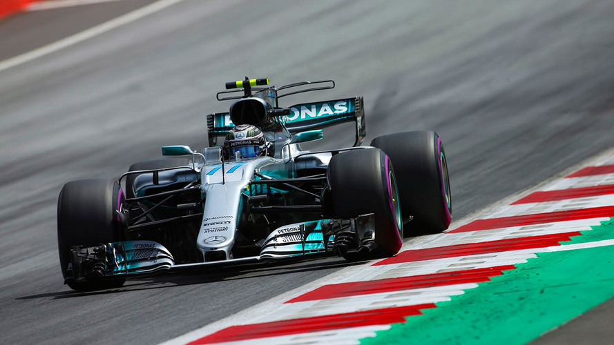 Bottas se lleva una pole sin intriga y Hamilton saldrá octavo en Austria