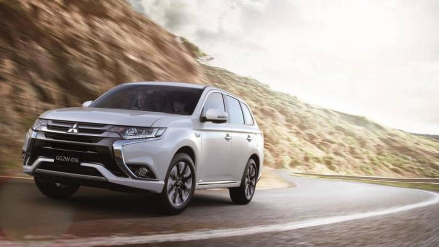 2016 Mitsubishi Outlander PHEV facelift breaks cover with more efficient hybrid setup