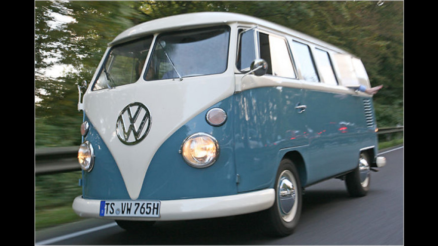 Alles Gute: Volkswagen feiert mit 71.000 Fans 60 Jahre Bulli