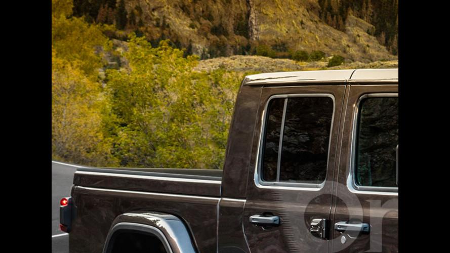 Jeep Wrangler pick up, in fuoristrada con il cassone