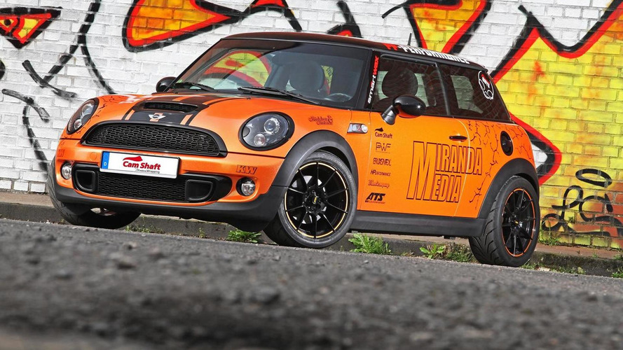 MINI Cooper S receives shiny orange wrap and 240 PS from Cam Shaft & PP-Performance