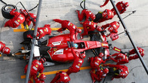 Fernando Alonso (ESP) Ferrari F14-T pit stop