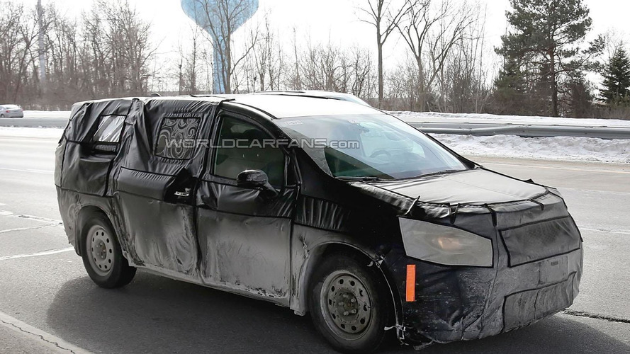 2017 Chrysler Town & Country spied inside & out