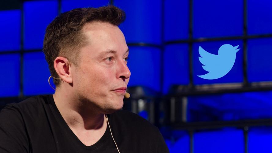 Tesla, Elon Musk risponde alle richieste dei clienti