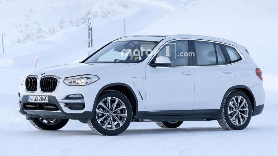 BMW X3, primi test per elettrica e ibrida plug-in