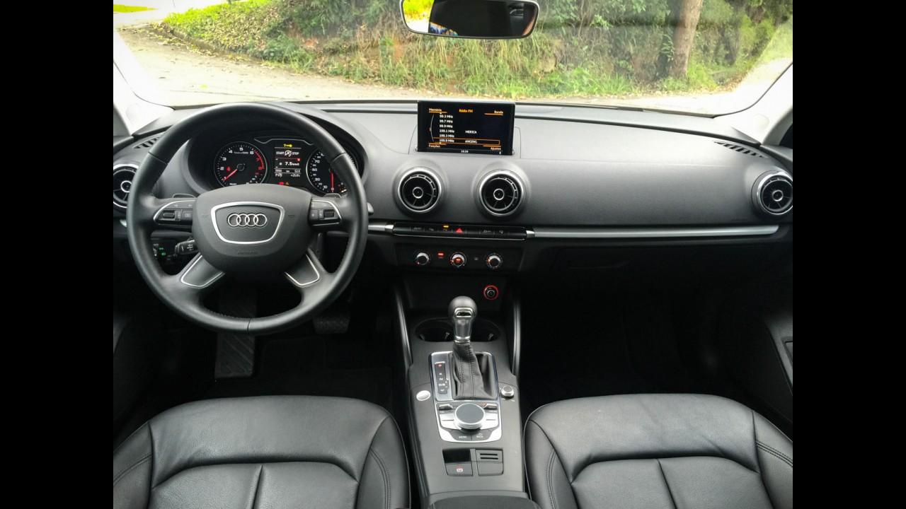 "Teste CARPLACE: novo VW Jetta 1.4 TSI desafia o ""primo rico"" Audi A3 Sedan"
