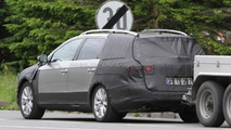 2012 Volkswagen Cross Passat Variant spied 08.06.2011