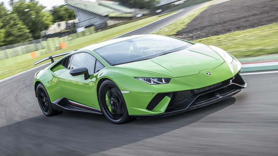 Lamborghini is keeping the V10 for next Huracan